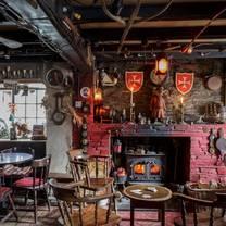 photo of the pigs nose inn restaurant
