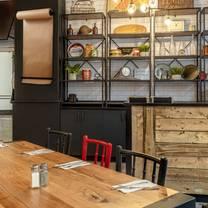 foto von briskets montréal restaurant