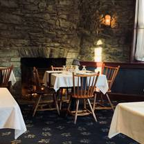photo of historic revere tavern restaurant