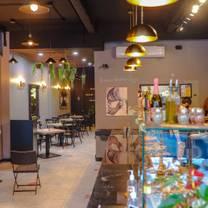 photo of enzo bruni la pizza gourmet restaurant