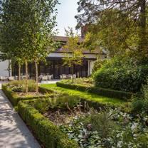 photo of the secret garden @ crowne plaza gerrards cross restaurant