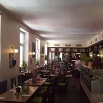 photo of solo pizza restaurant