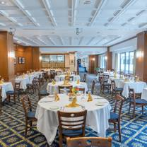 photo of fourth estate restaurant at the national press club restaurant