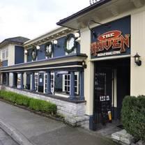 photo of the raven pub restaurant