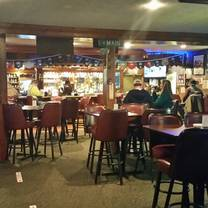 photo of horseshoe bar and grill restaurant