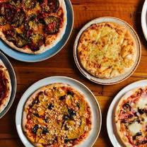 foto von 11 inch pizza - melbourne cbd restaurant