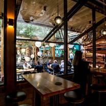 foto van garden state hotel - public bar restaurant