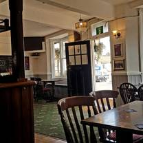 photo of the estcourt arms watford restaurant