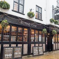 photo of royal oak - 18 goodramgate restaurant