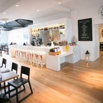 photo of deanes love fish restaurant