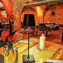 photo of gewölbekeller - schloss philippsruhe hanau restaurant