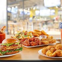 photo of buffalo wild wings - greenfield restaurant