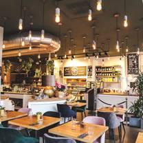 foto von rose garden berlin restaurant