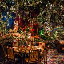 photo of rainforest cafe - grapevine mills restaurant