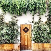 photo of l'entrée des artistes restaurant