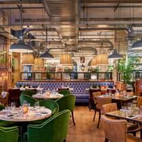 photo of bill's restaurant & bar - westfield restaurant
