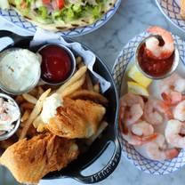 foto von swift & sons tavern and oyster bar - wrigleyville restaurant