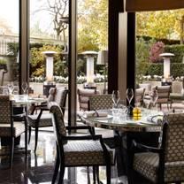 photo of amaranto at four seasons hotel london at park lane restaurant