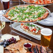 photo of eno's pizza tavern - coppell restaurant