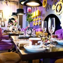 foto von peters schokowelt restaurant