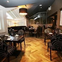 photo of oscar's restaurant and bar restaurant