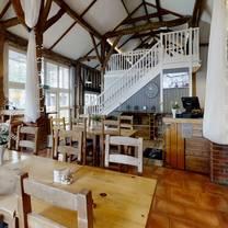 photo of the barnyard restaurant