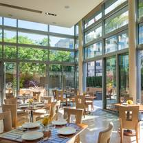 photo of quattro restaurant and bar - four seasons hotel restaurant