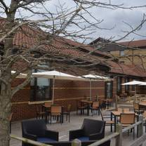 photo of the 14twelve brassiere and bar @ doubletree by hilton hotel swindon restaurant