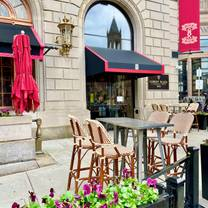 photo of oak long bar + kitchen restaurant