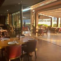 photo of nusr-et abu dhabi restaurant
