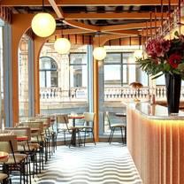 photo of locket's restaurant