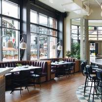 photo of swift & sons tavern and oyster bar - wrigleyville restaurant