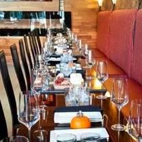 foto von wine & waffles restaurant