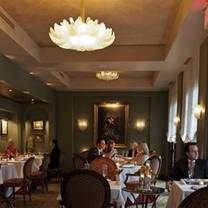 photo of ristorante cavour at the hotel granduca restaurant