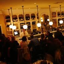 photo of tarry lodge port chester restaurant