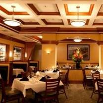 photo of bistro mezzaluna restaurant