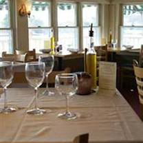 photo of hurricane restaurant - kennebunkport restaurant