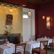 photo of banana leaf modern thai restaurant