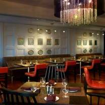 photo of tallulah crafted food and wine bar at renaissance baton rouge restaurant