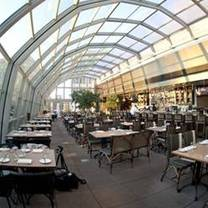 photo of union rooftop restaurant