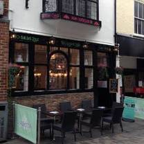 photo of oscar & bentleys restaurant