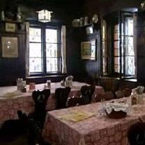 foto von nürnberger bratwurst glöckl am dom restaurant