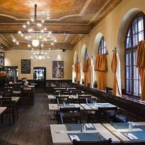 foto von haxnbauer im scholastikahaus restaurant