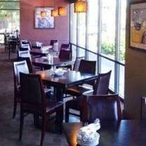 photo of mama stortini's - kent station restaurant