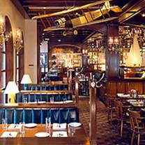 foto von clyde's of reston restaurant