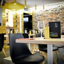 photo of platform 61 restaurant