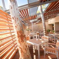 foto von the deck eatery & bar restaurant