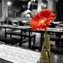 photo of 850 degrees restaurant