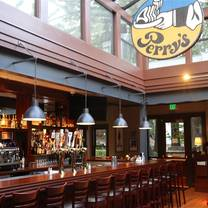 photo of perry's on magnolia restaurant