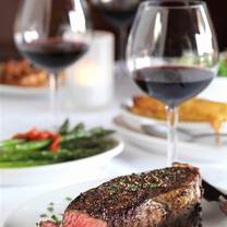 photo of golf's steak house restaurant